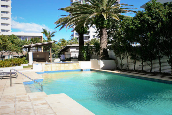 12. Indigo-Blue_Burleigh - pool