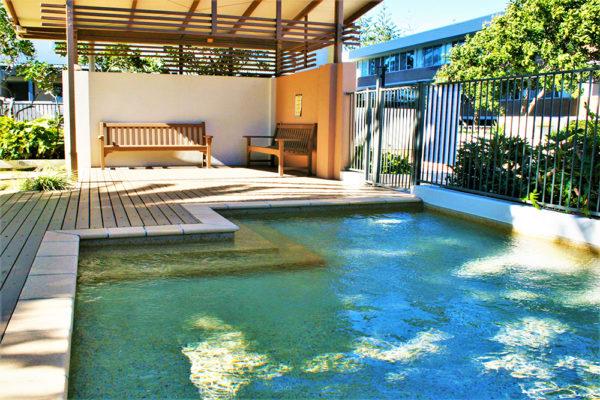 20. Indigo-Blue_Burleigh -kiddy pool